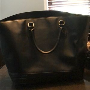 Just Fab black extra large tote